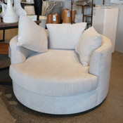 Nestle Chair
